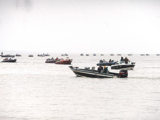 636235369732273477-AAPBrd-06-16-2015-Reporter-1-A001-2015-06-15-IMG-secondary-1---boats-1-1-CJB3B82Q-L628674380-IMG-secondary-1---boats-1-1-CJB3B82Q.jpg