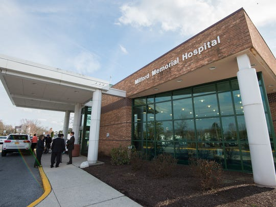 The front entrance of Milford Memorial Hospital.  The