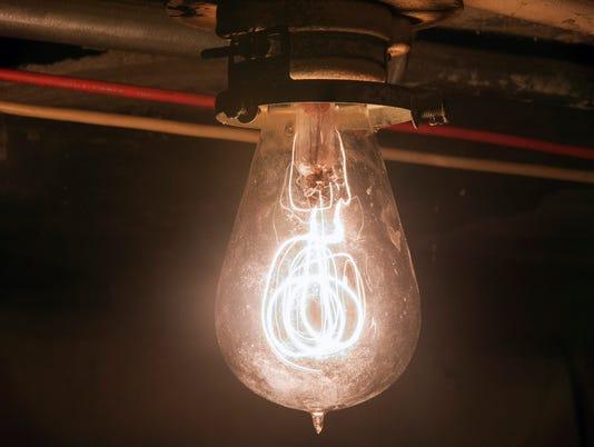 1-YDR-pmk-040917-bulb