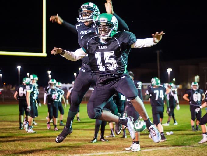 Parkside's Kemmon Walker (25) and Dajour Diggs (15)