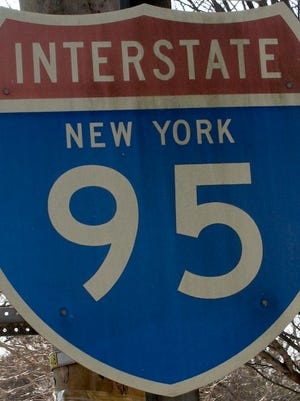 Interstate 95 road sign ( Albert Conte / The Journal News, File )