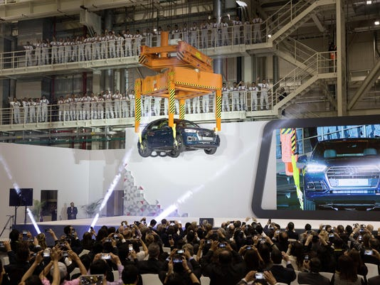 Large-AUDI-AG-opens-automobile-plant-in-Mexico-2346