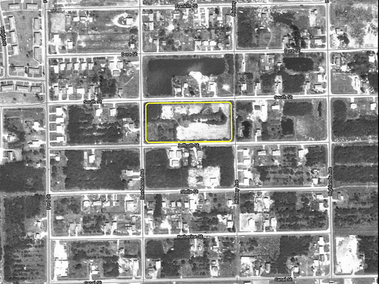 A 1972 aerial photo of the City of Fort Myers' South Street landfill suggests arsenic-laden sludge was actively being dumped from the city's water treatment plant.