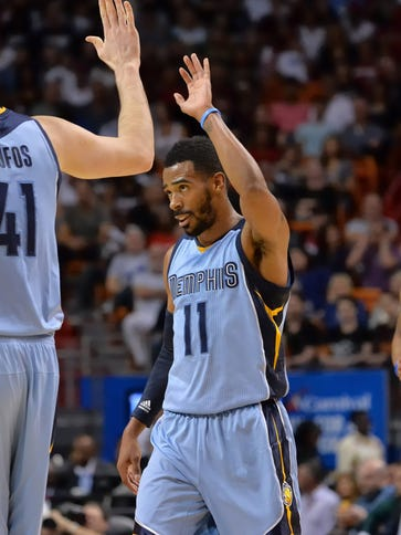Mike Conley (11) scored a team-high 24 points for the