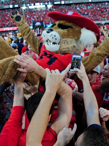 Scott Bordow takes a look at the Arizona Wildcats' 2015 schedule, game by game.