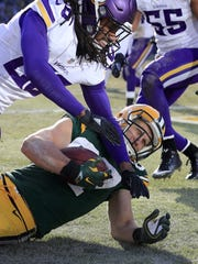Green Bay Packers wide receiver Jordy Nelson (87) scores