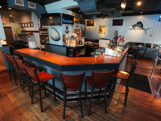 Summer and seafood in central jersey for Food bar somerset mb