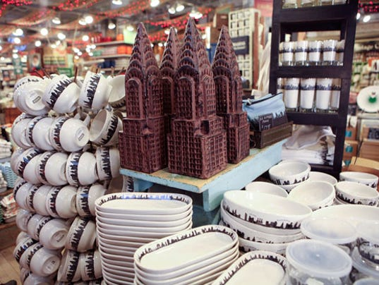Twin towers dishes spark controversy in nyc for Fishs eddy ny