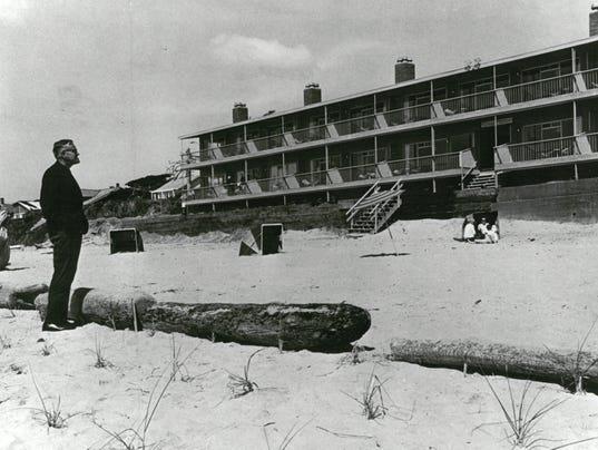 OSH-McCall-iconic-photo-Beach-Bill.jpg
