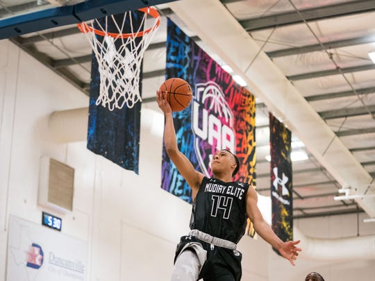 Memphis recruiting target R.J. Hampton announced he will bypass college basketball completely to play for the New Zealand Breakers of Australia's National Basketball League.