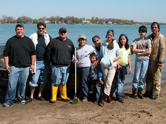 Clean-up volunteers on the Detroit River