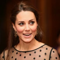 8-months-pregnant Kate steps out for service