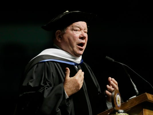 AP PEOPLE SHATNER COMMENCEMENT A ENT USA RI