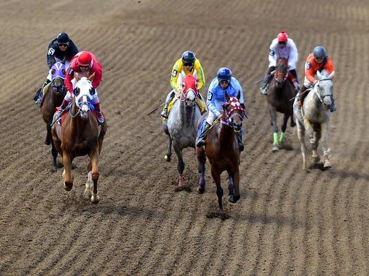 -07182015_horse racing-b.jpg_20150718.jpg