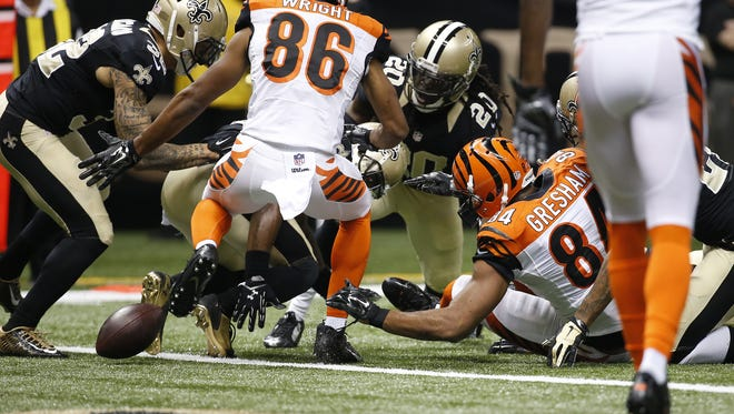 Cincinnati Bengals tight end Jermaine Gresham (84) fumbles the ball and recovers for a touchdown in the first quarter.