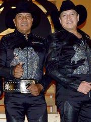 Lupe y Ramiro están felices de que Bronco siga relinchando.