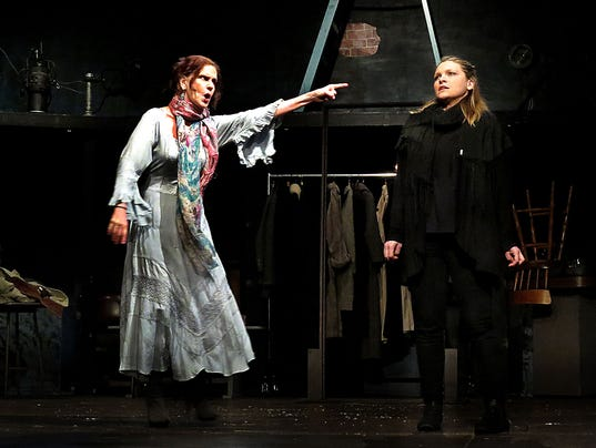 woman roles in hamlet The stage and the state: , these plays do not address the role of women royalty as nonetheless, the anxieties manifested in macbeth and hamlet suggest that women, perhaps even elizabeth, cannot acceptably.