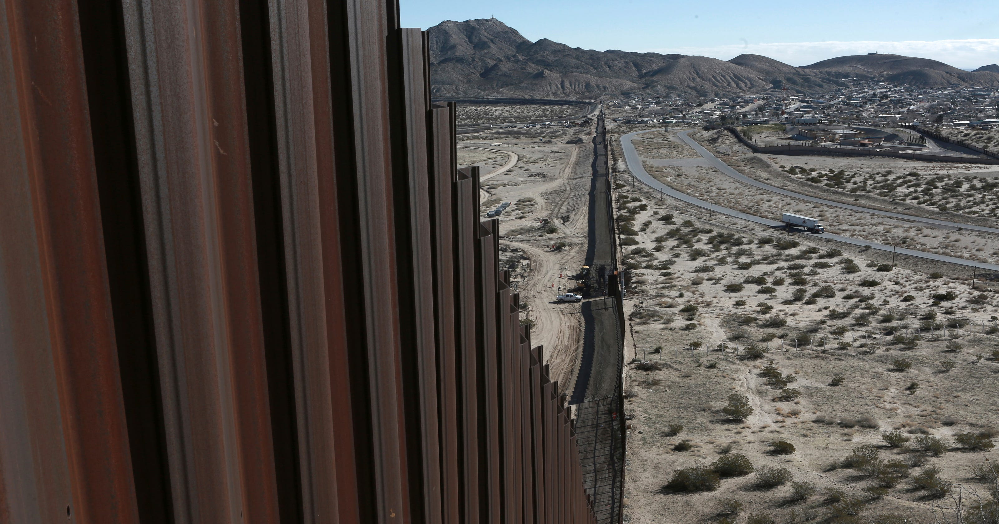 Who'd gain from a Trump border wall? Hint: Not Mexico