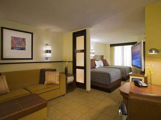 Hyatt_Place_Double-Double_Guestroom.jpg