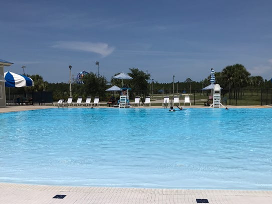 The Lakewood Park Pool features a less busy zero-entry