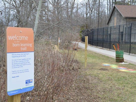A born learning trail contains 10 interactive signs