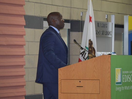 Tulare Mayor Carlton Jones delivers Tulare's State