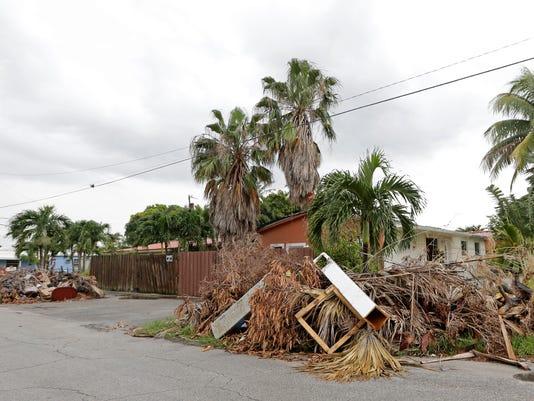AP IRMA DEBRIS CLEANUP A USA FL