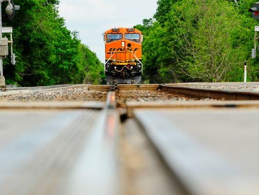 635961595186569190-tda-train.derailment-04.13b--2.jpg