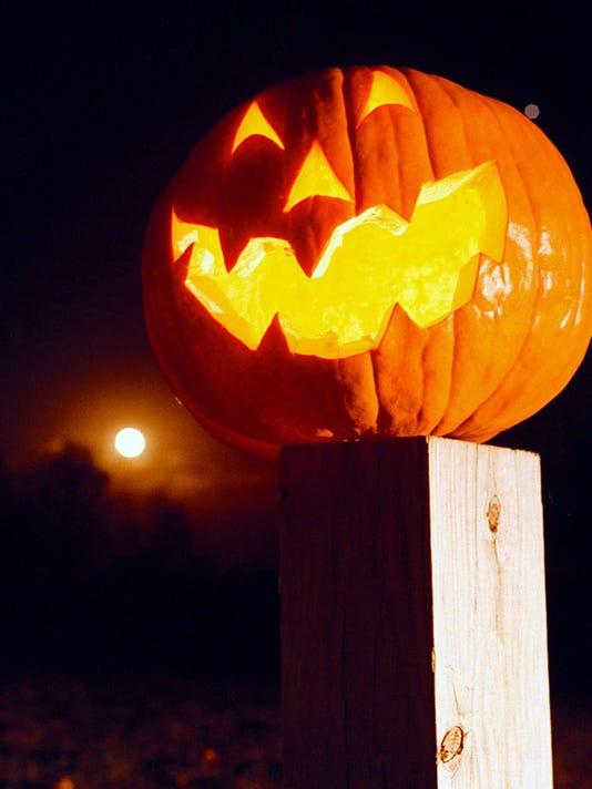 635817040240574329-halloween-play-promo-2-.JPG-2-1-DV8P52D6-L497671535