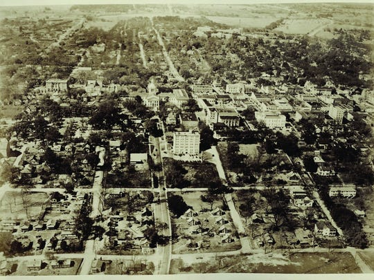 An aerial photo of Smokey Hollow, circa 1948