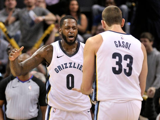 Memphis Grizzlies forward JaMychal Green (0) and center