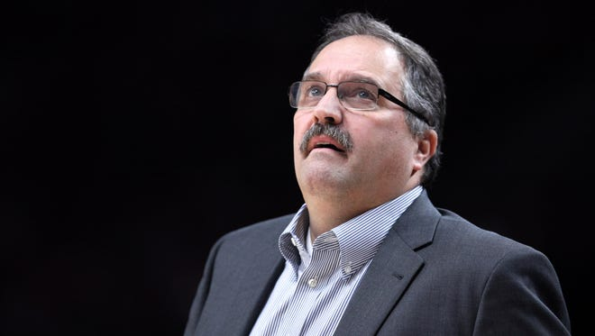 Pistons coach Stan Van Gundy looks up at the stat board in the first half Jan. 8, 2017 in Portland, Ore.