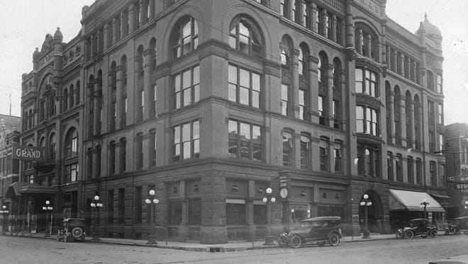 Business Men's Association Building stood at the corner of Second and Sycamore streets.