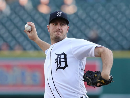 Jordan Zimmermann pitches during the first inning Monday,
