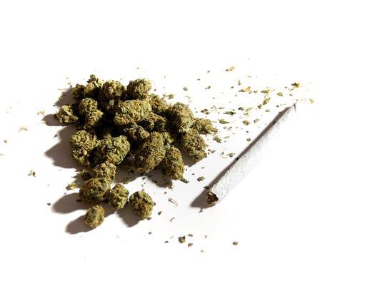 -MORBrd_04-09-2014_Daily_1_A001~~2014~04~08~IMG_marijuana_joint.jpg_1_1_JA70.jpg