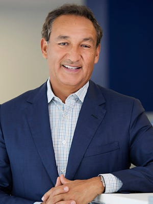"""United Airlines CEO Oscar Munoz was hospitalized Thursday for an unspecified ailment. The airline is making changes in its """"corporate governance process necessitated by the hospitalization"""" on Monday or Tuesday, according to non-executive board chairman Henry  Meyer."""