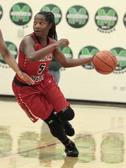 Nia Staples of Lakota West gets good penetration before