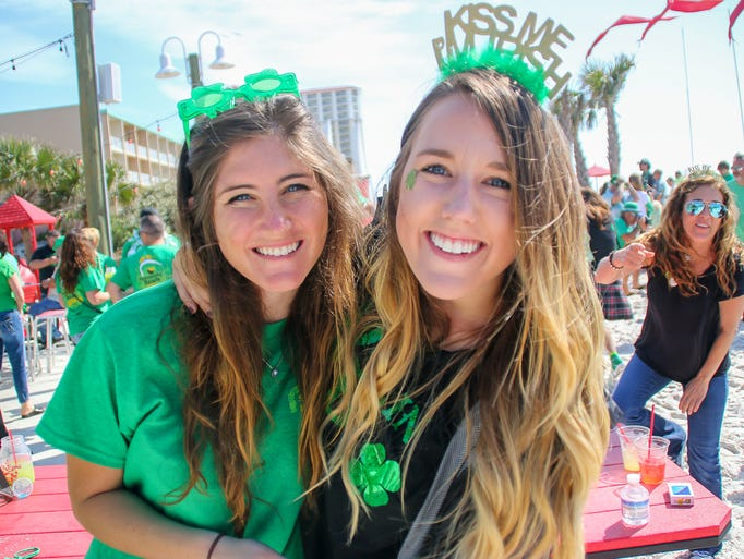 Hundreds of people join in on the Pensacola Beach Chamber