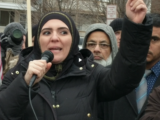 636213092143582466-Fatina-Abdrabboh---Hamtramck-immigration-ban-protest.png