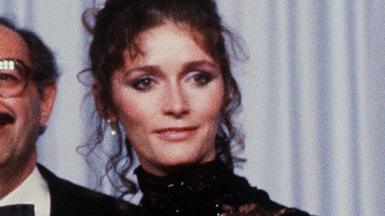 Margot Kidder and bipolar disorder: What is it and how is it treated?
