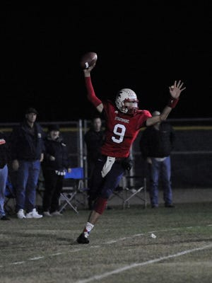 Strathmore's Nick Salas catches the ball for a touchdown against Rosamond in a Central Section Division 6 Championship on Nov. 24, 2017. Strathmore defeated Rosamond 42-32 to become the D-6 champions.