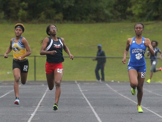 Wakulla's Ma'Asa Gay fights off Godby's A'Kyrah O'Banner