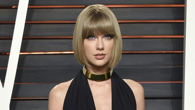 Taylor Swift attends the Vanity Fair Fair Oscar Party in Beverly Hills, Calif., in 2016.