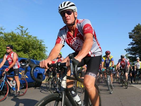 AP BICYCLISTS STRUCK-MICHIGAN A CYC USA MI