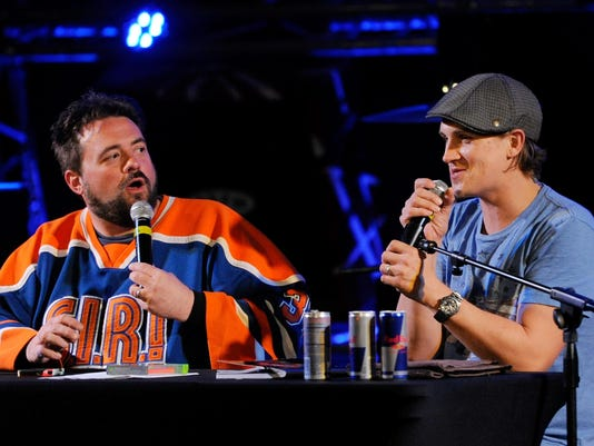 """Kevin Smith And Jason Mewes Podcast Of """"Jay & Silent Bob Get Old"""" At The Hard Rock Cafe On The Strip"""