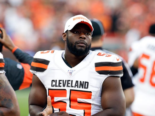 Then Cleveland Browns outside linebacker Genard Avery (55) stands on the sideline before a preseason game against Washington on Aug. 8, 2019.