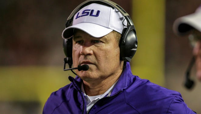 LSU coach Les Miles' agent has reportedly been contacted by the University of Michigan.