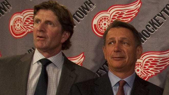 Detroit Red Wings coach Mike Babcock, left, and general manager Ken Holland.