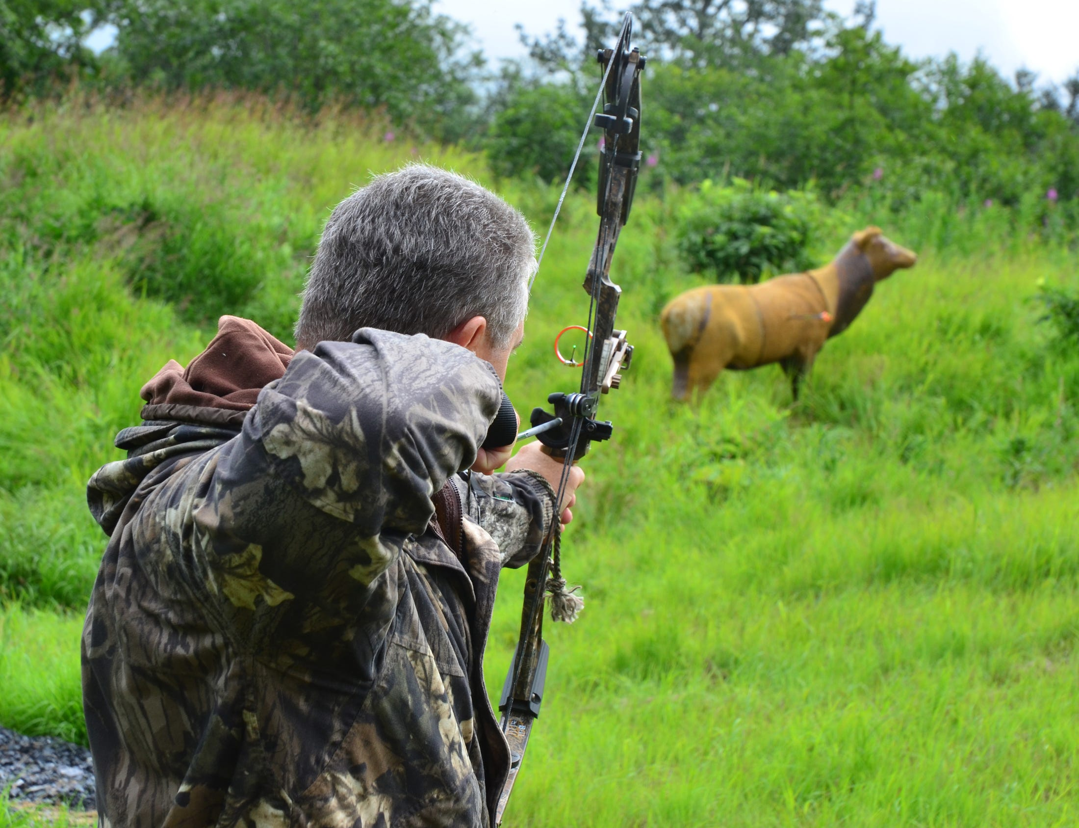 Archery-only hunting will be allowed for a limited time on property owned by the Pittsburgh International Airport.