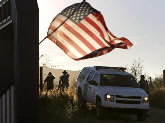 A mediados de la década pasada, George W. Bush, envió a tropas de la Guardia Nacional a la frontera con México para reforzar a la Patrulla Frontera, un operativo que duró 2 años.